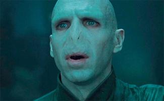 Волан-де-Морту пририсовали человеческий нос. И он стал не страшным