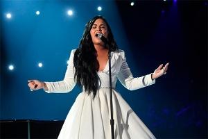 Деми Ловато выпустила первую песню за полтора года