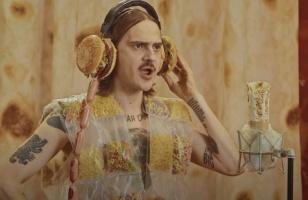 """LITTLE BIG выпустили клип """"Tacos"""". Он посвящён всем любителям еды"""